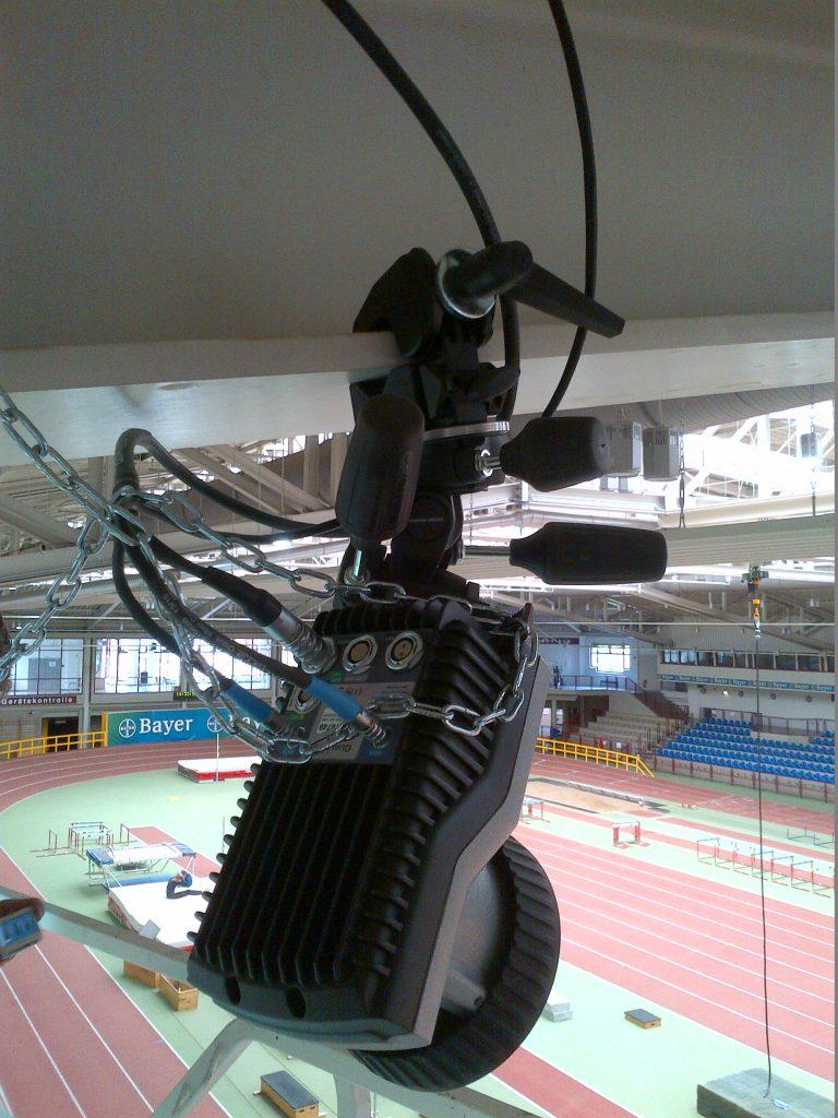Hängende Qualisys Oqus Kamera in der Installation TSV Bayer Leverkusen