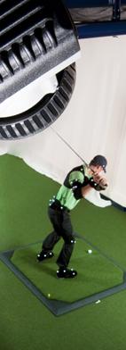 Golfer beim Schwung mit refelktierenden Markern im 3D Motion Tracking